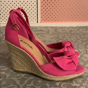 Pink bow wedges